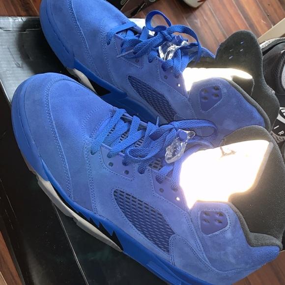 49c75187c0d895 Jordan Other - Men s size 11 Jordan 5 Retro Blue Suede